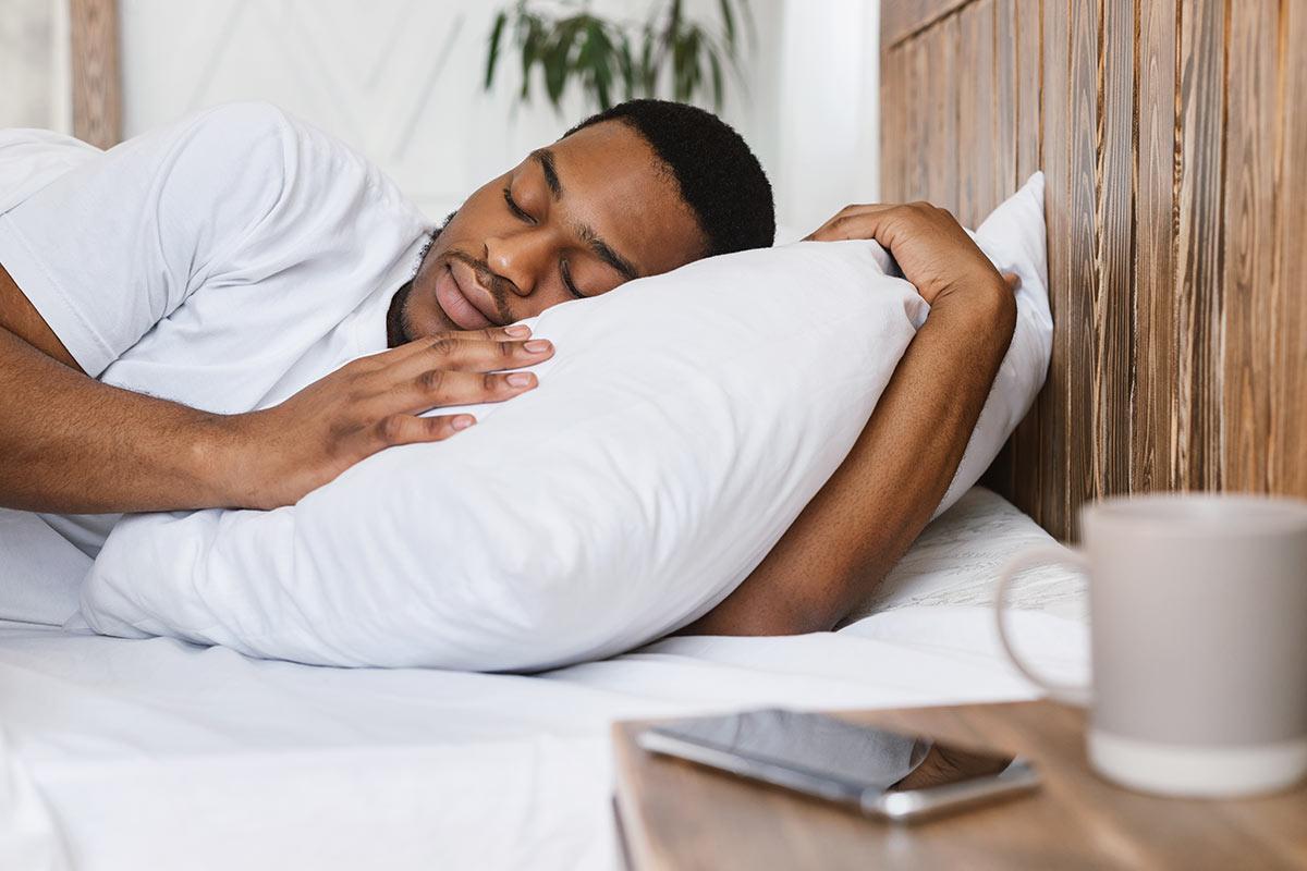 erholsam schlafen regeneration sport fitness magazin